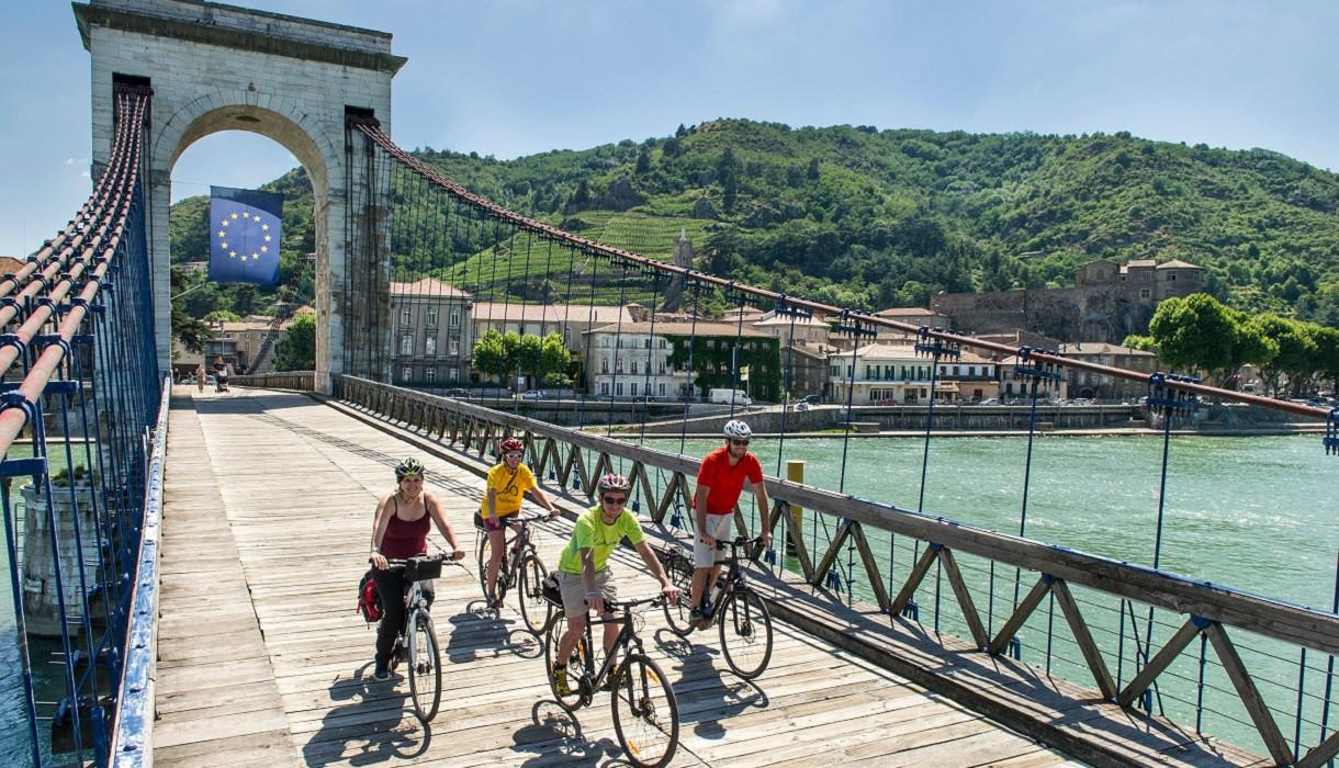 Marc Séguin bridge connects Tournon-sur-Rhône in Ardèche and Tain-l'Hermitage in Drôme, both famous for their vineyards.