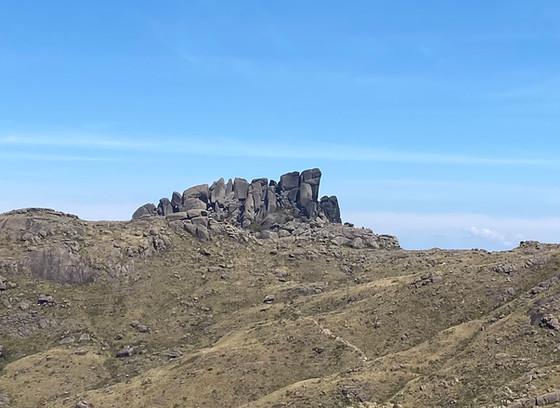 Prateleiras massif (alt. 2.548 m), a great alternative hike...