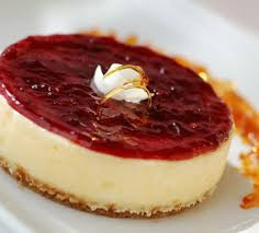 Cheesecake with Minas Gerais cheese and guava (Brazil)