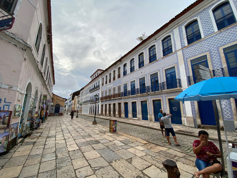 Since 1987, the Reviver Project revitalizes the architectural complex of the Historic Center of São Luís.