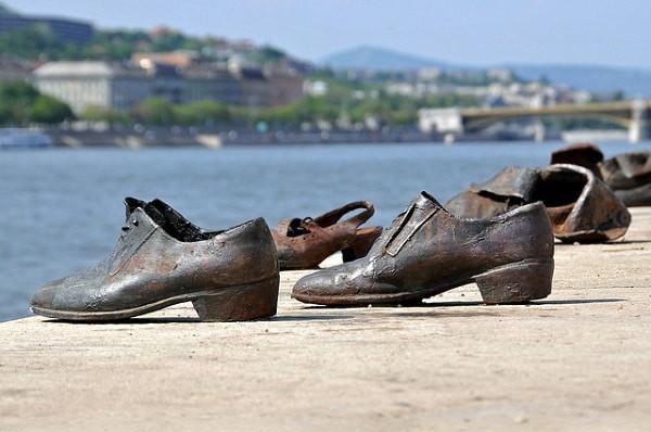 Danube shoes (ref. WWII Jewish massacre), Budapest (Hungary, Day 0)