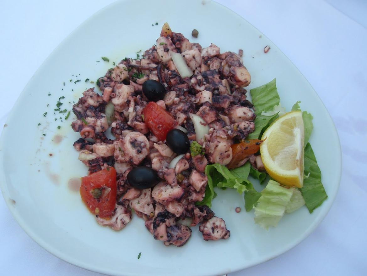 Salata od hobotnice (Croatia)