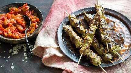 Beef skewers marinated with parsley and chilli