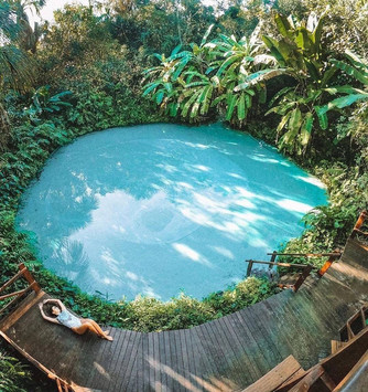 Fervedouro Bela Vista, considered the most beautiful, with transparent and incredibly blue water, and a large main spring.