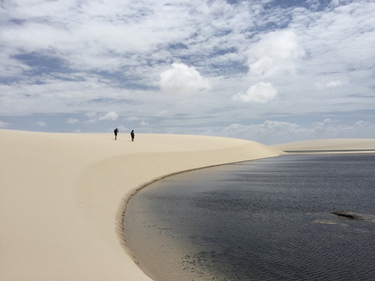 The infinity, the beauty and the silence of the desert just for us... A privilege without equal !