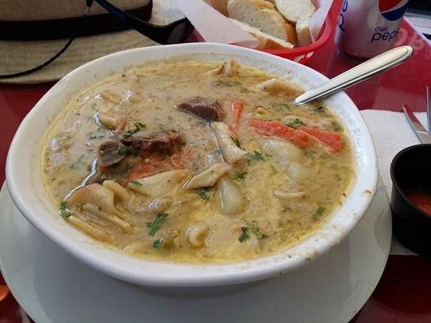 Sopa de Maní (Bolivia)