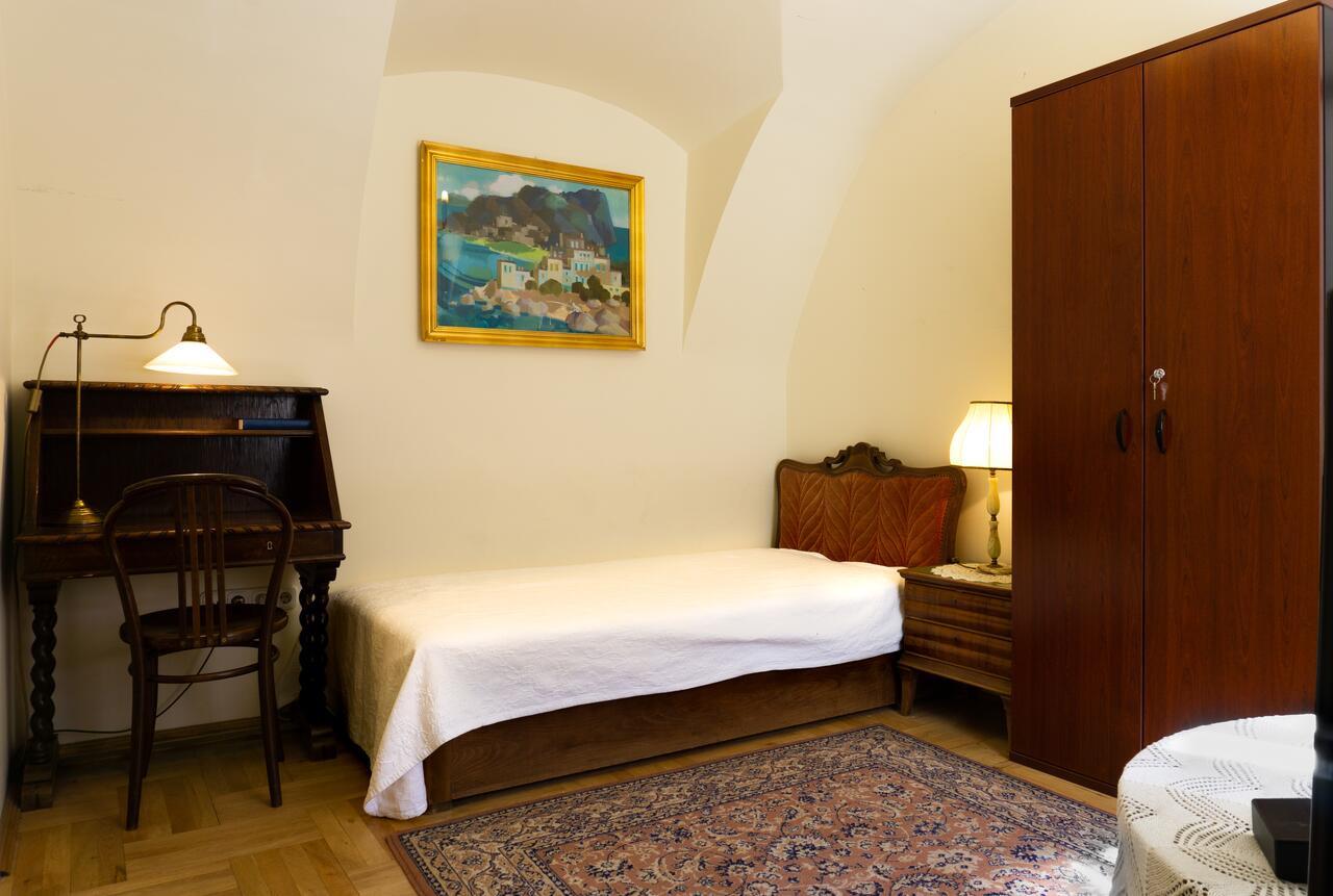 H - Budapest - Monarchy Residence 2.jpg
