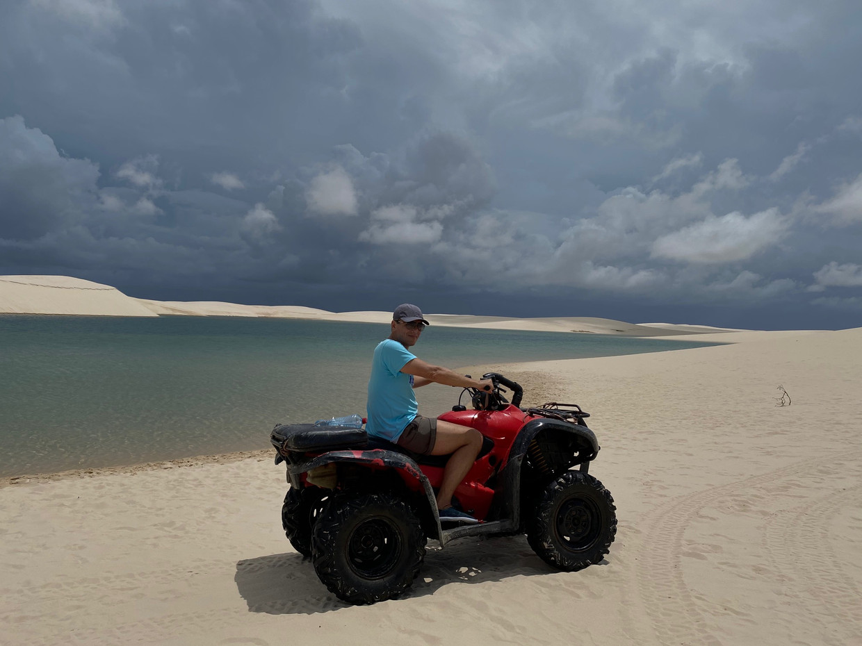 Only natives can cross the Lençois Maranhenses by quad. For tourists, just a little ride, but what a great experience !