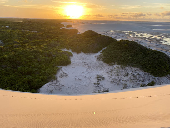 ... minutes before the sunset on the dunes of the Baixa Grande oasis