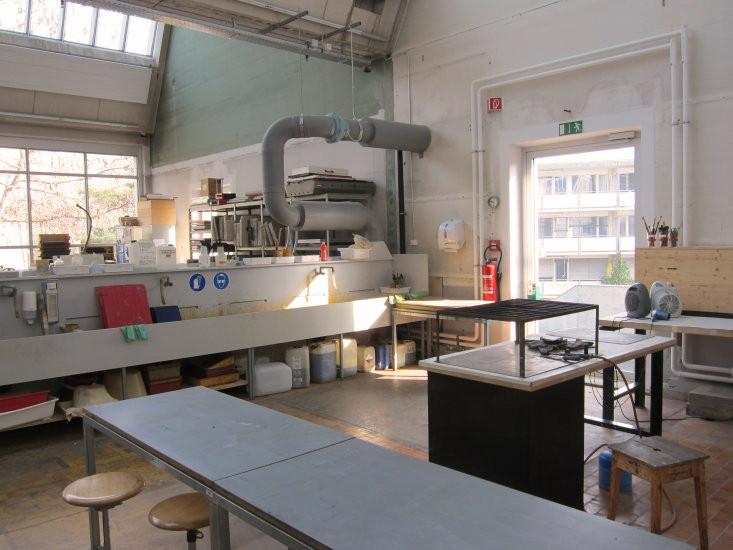 Ätzraum im Druckatelier der HKB