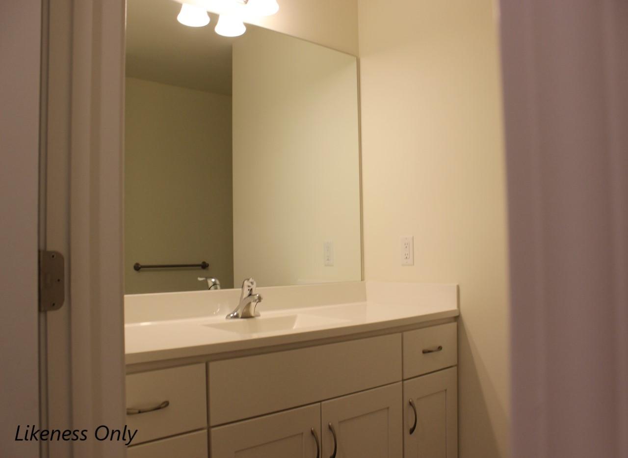 CB5 Bathroom.jpg