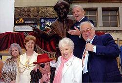 statue_unveiling2005.jpg