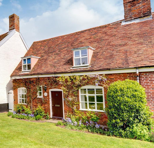 Ruffles cottage orford_edited.jpg