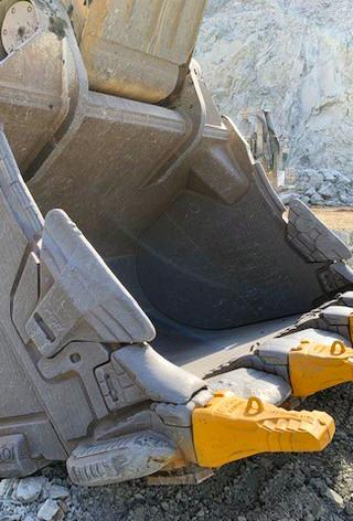 R-Series Bucket AS 08 edit.jpg