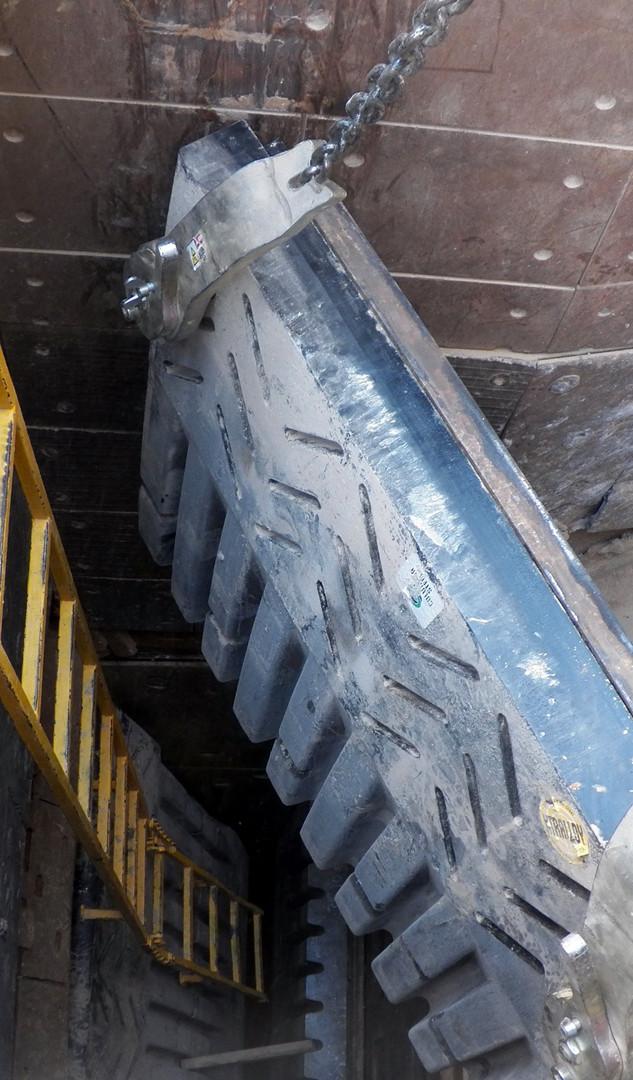 RM - Columbia Steel Jaws 100_5693_edited