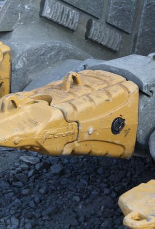 Real Mining Ground Engaging Tools 01.jpg