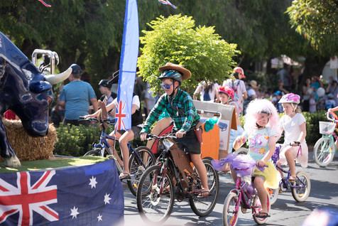 160 Float Parade.jpg