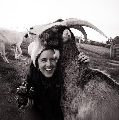 Всемирно известная канадская фото-журналистка Джо-Энн МакAртур