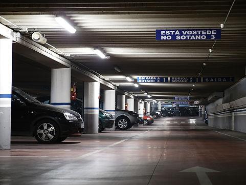 parking-2478837_1920.jpg