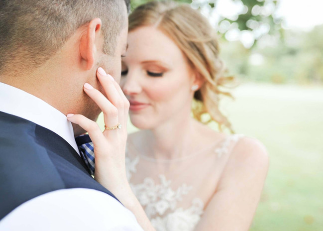"""alt=""""Based in Delaware, Jen and Katie Photography pride themselves on their local and international wedding portfolio, travelling near and far for their cleints."""""""