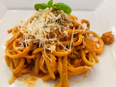 Recipe - garlic basil linguine with spicy Italian sausage in a vodka tomato cream sauce