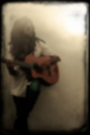 LUNA LIVE - Singing Guitarist