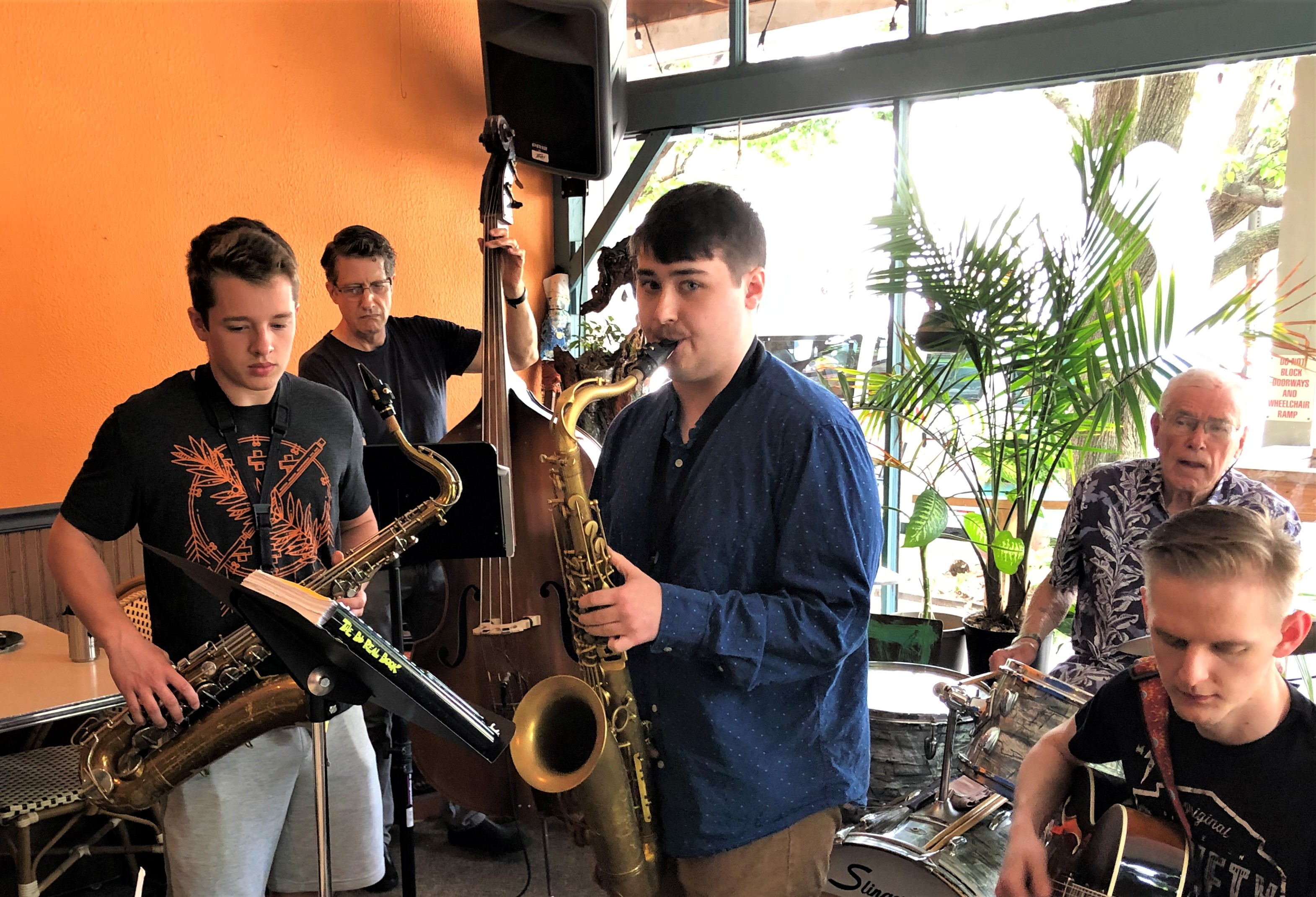 Jazz Combo at R Coffee House (1)