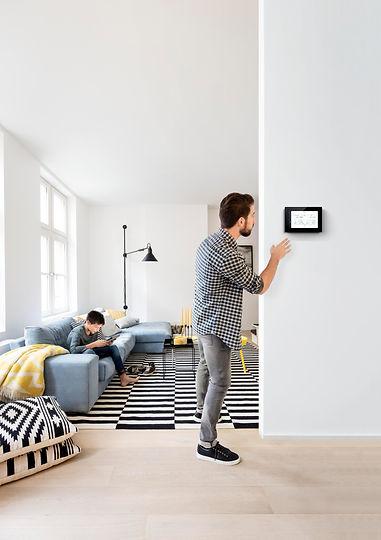 Niko_Home_Control_touchscreen_energy_2.j