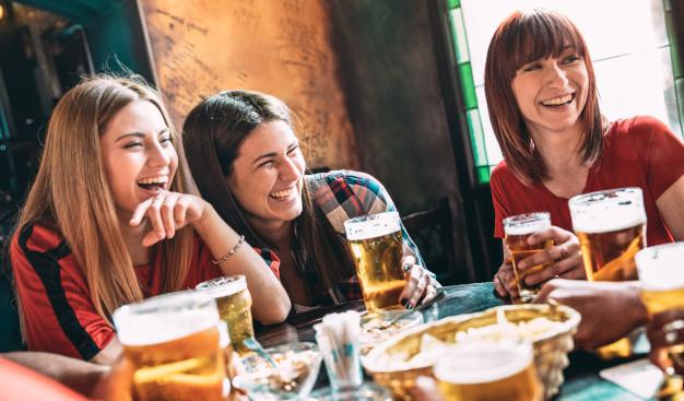 happy-best-friends-drinking-beer-bar_101