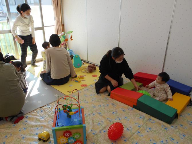 子育て広場にこにこ・保育室開放