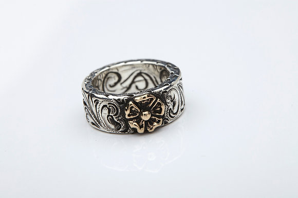 King Ring with 14K gold dogrose