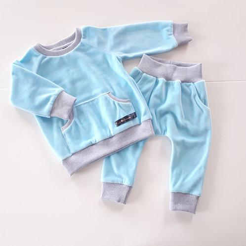 Veliūrinis laisvalaikio kostiumėlis baby blue