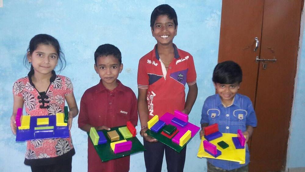 Arpitta, Gauderi, Krishna et Dev