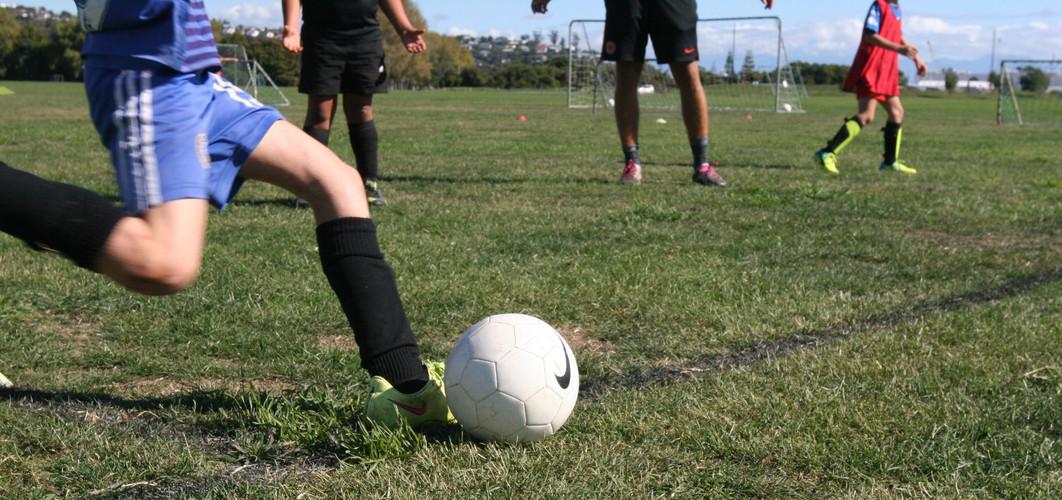 fast-football-football-boots-97434_edite