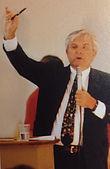 Fundraising art auctioneer Sol Adams