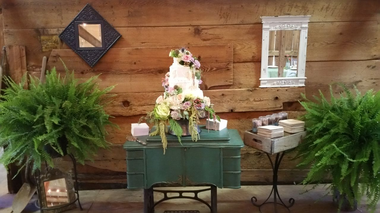 2016-09-03 CAKE DISPLAY (2)