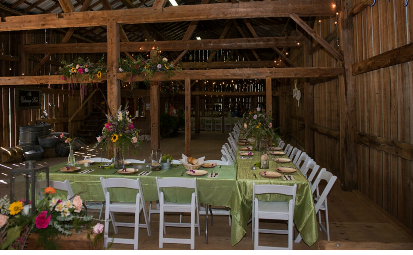 2016-09-03 TABLE ARRANGEMENT IN BARN