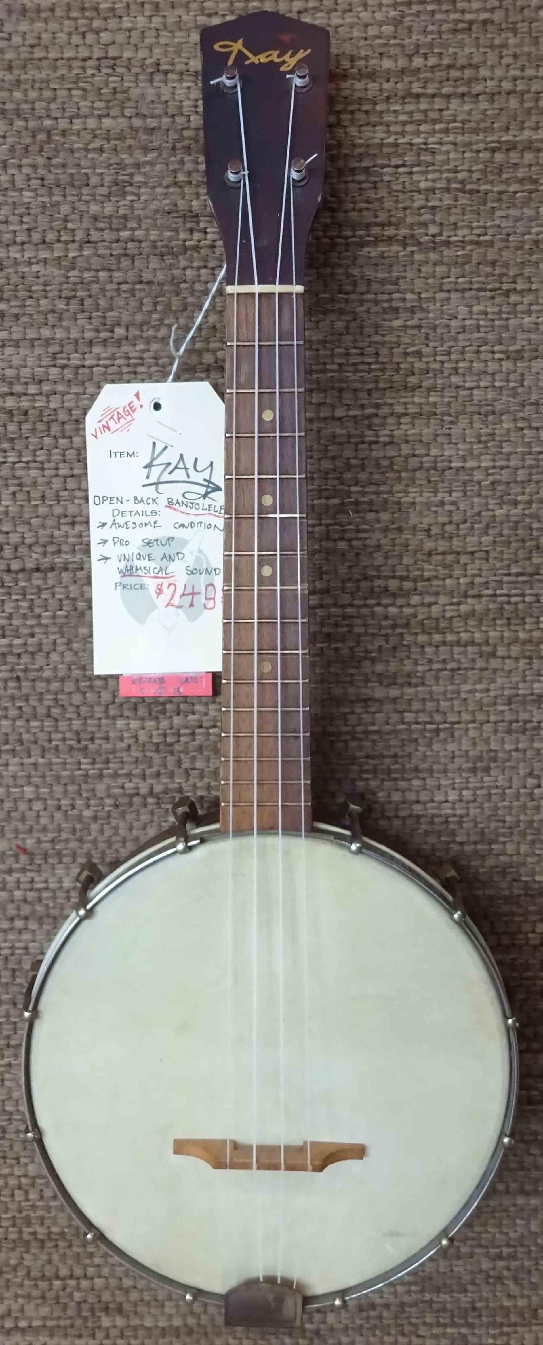 Kay banjo datingdating parit hartaus tutkimus