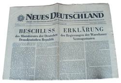 """""""Neues Deutschland"""" Newspaper"""