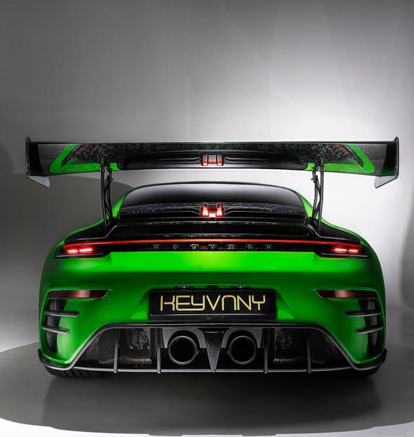 Porsche_Studio%20(4)_edited.jpg