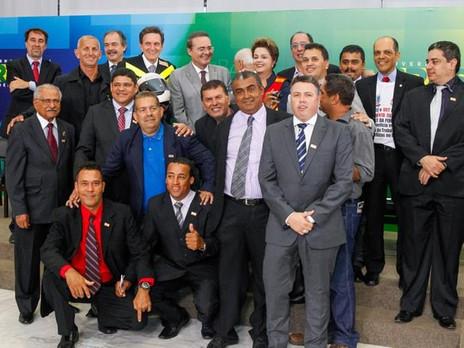 Diretores da FETRAMOTO participam do ato de Assinatura do Adicional de Periculosidade em Brasília