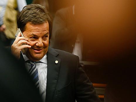 Escolha de Zveiter como relator de denúncia é aceno a grupo que deve ascender se Temer cair.