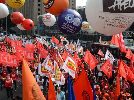 PEC 356/2016 que restringe contribuição sindical a trabalhadores filiados aos sindicatos está em con