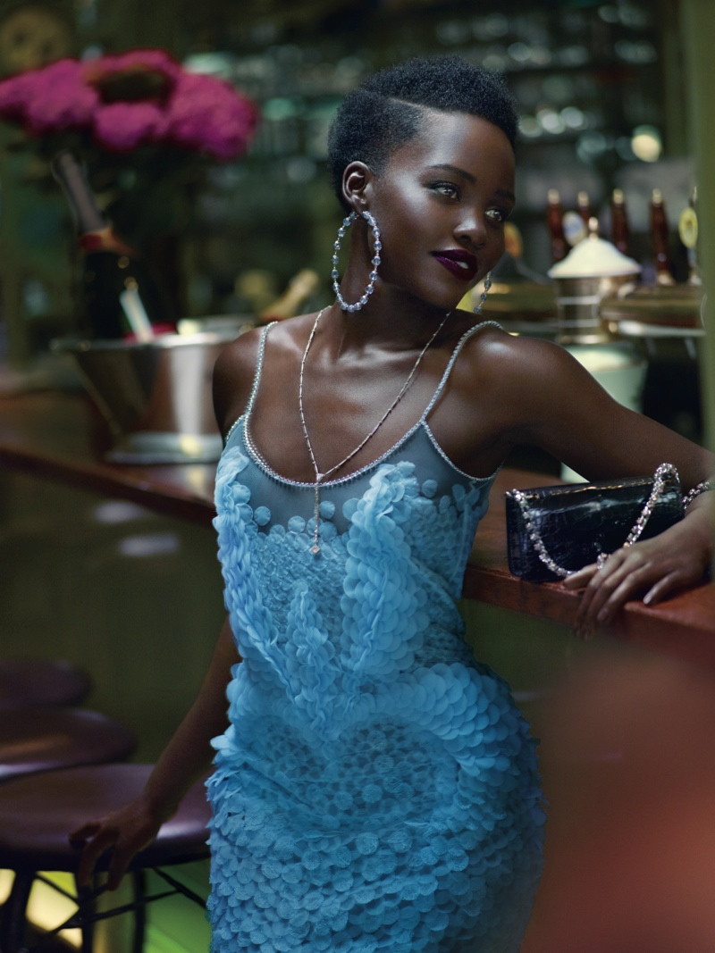 Lupita-Nyongo-Vogue-US-October-2015-Cover-Photoshoot02