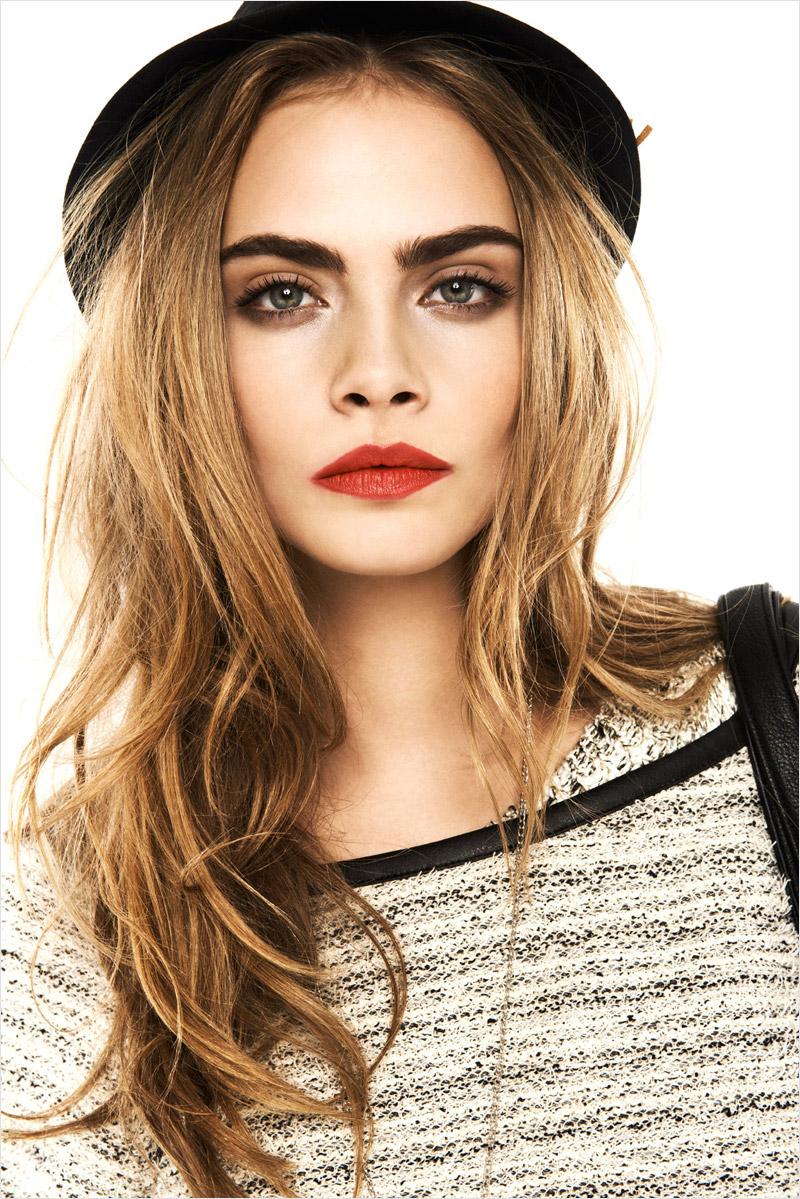 cara-delevingne-red-lips
