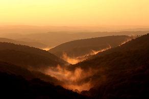 mountains-1752796_1920.jpg