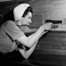 1944_Madeline_Solotwinski_checks_wooden_