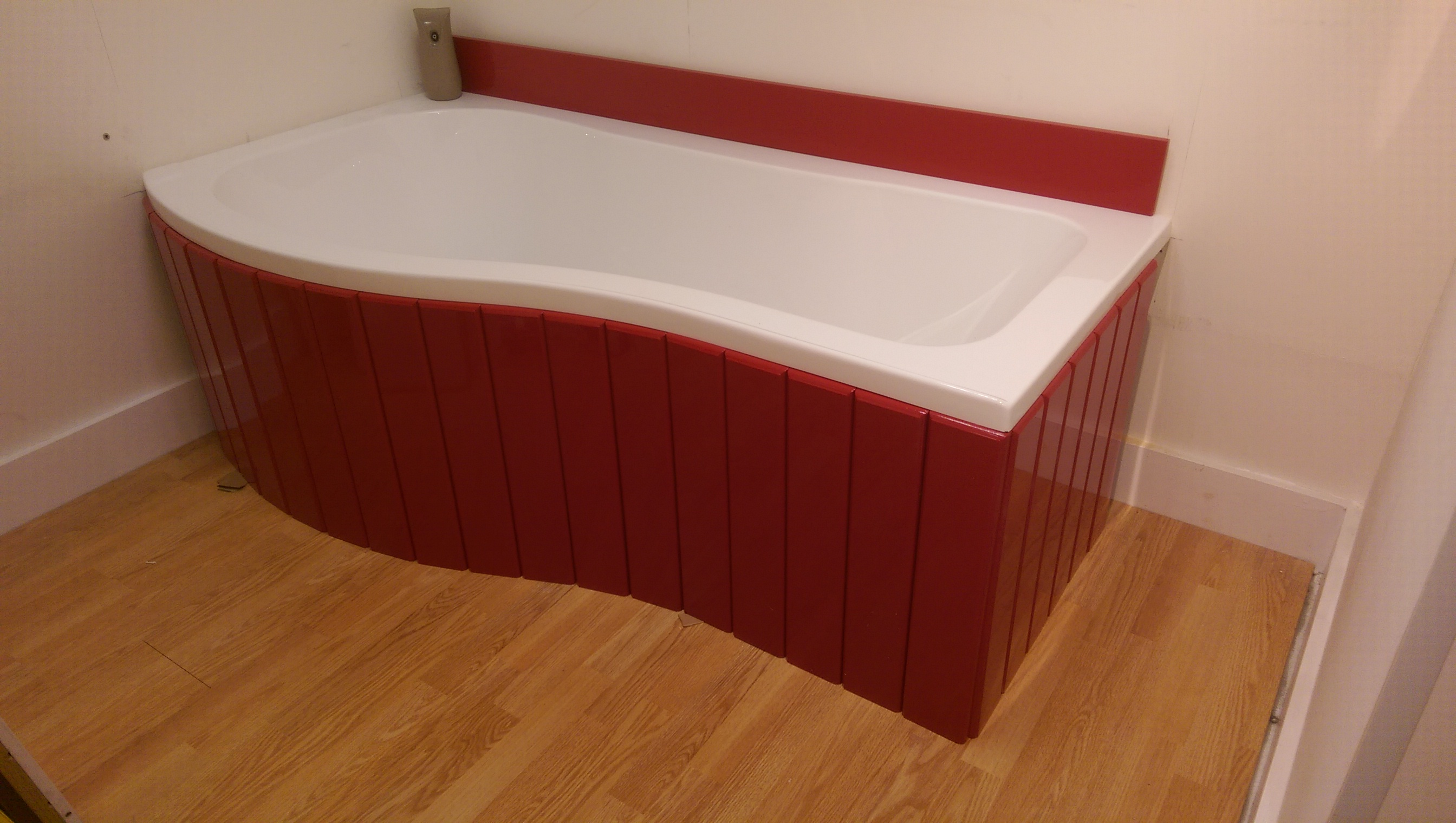 p shaped bath panel red.jpg