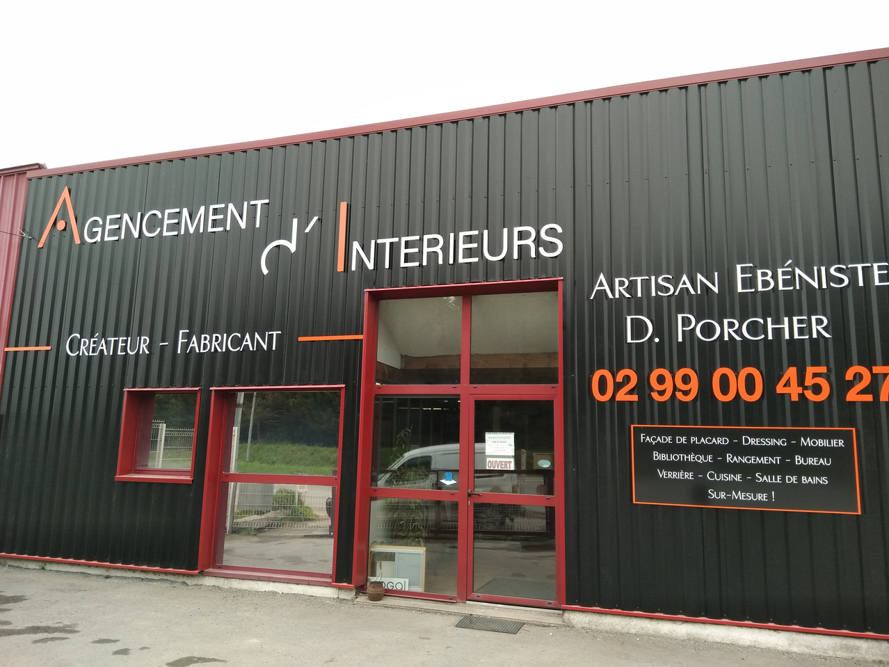 Dominique Porcher, Artisan Ebéniste agenceur, atelier basé à Vern-sur Seiche en Ille et Vilaine, Rennes. Aménagement intérieur, agencement, mobilier sur-mesure