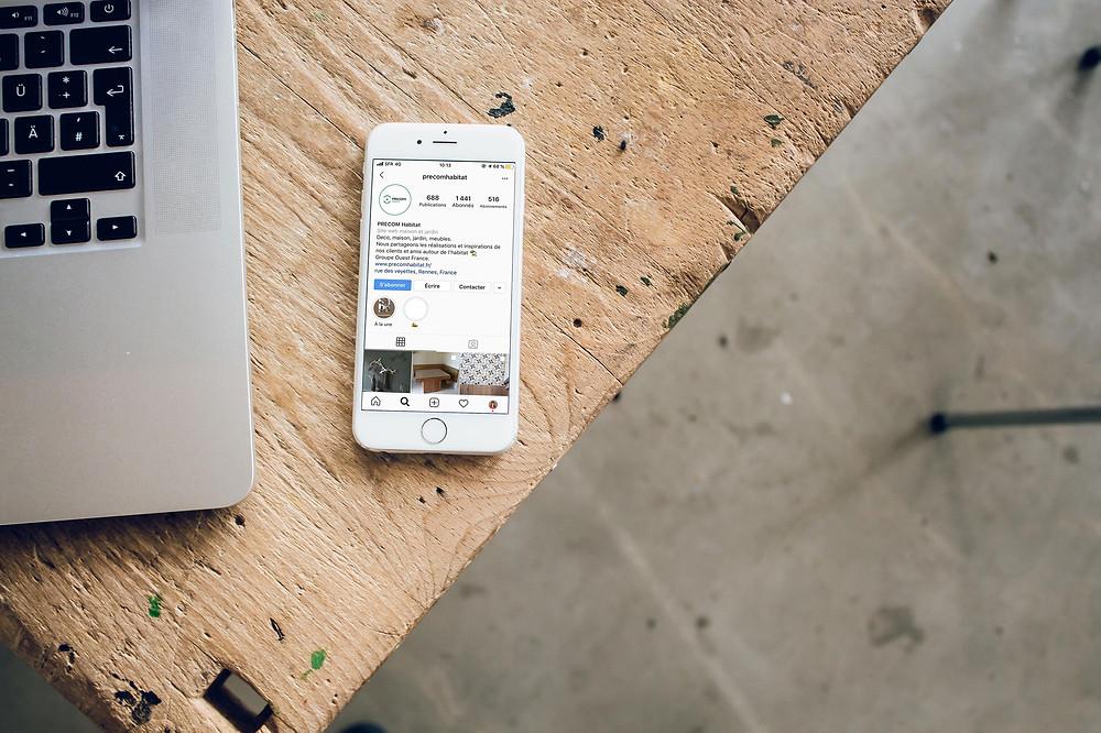 Comment communique un cuisiniste, un architecte d'intérieur, un menuisier, un professionnel de l'habitat. Stratégie de communication et marketing réseaux sociaux Instagram, Facebook, Pinterest